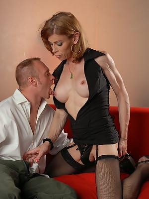 Stunning Jasmine Jewels having some seductive fun with Ray